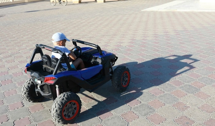 power-wheels-with-seat-belts